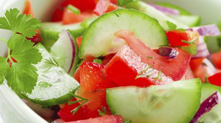 Почему НЕЛЬЗЯ СМЕШИВАТЬ В САЛАТЕ огурцы с помидорами?